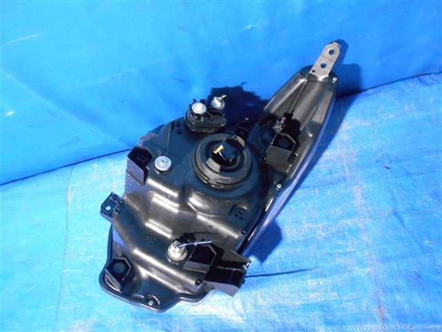 HeadLampAyRH - Wagon R  Ref:SP207566_1080     4/4