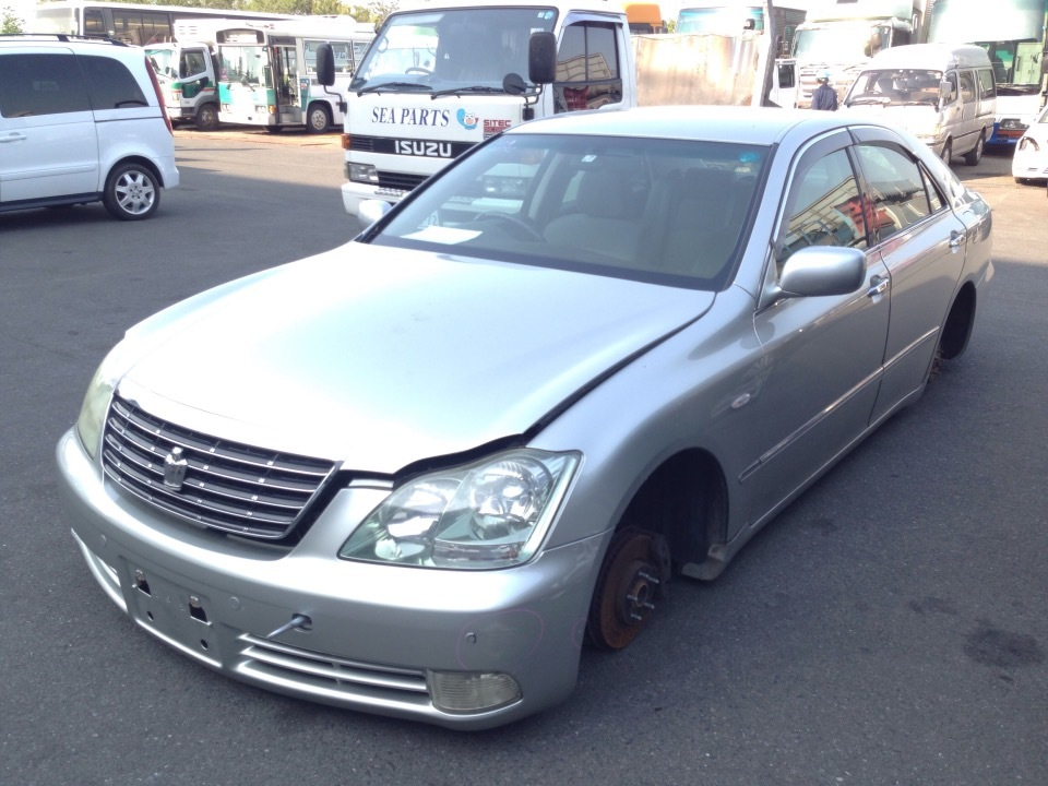 TOYOTA Crown   Ref:SP232752     2/17