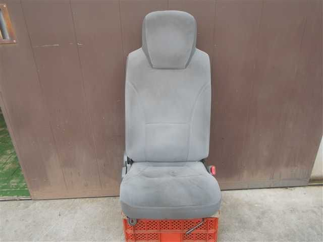 Driver Seat - Elf  Ref:SP234357_7050     1/4