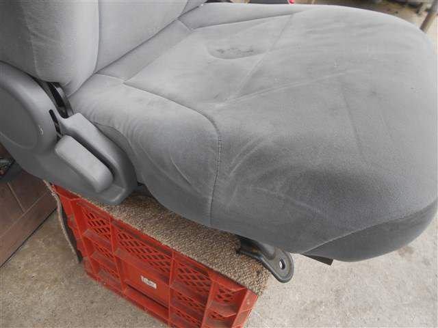Driver Seat - Elf  Ref:SP234357_7050     2/4
