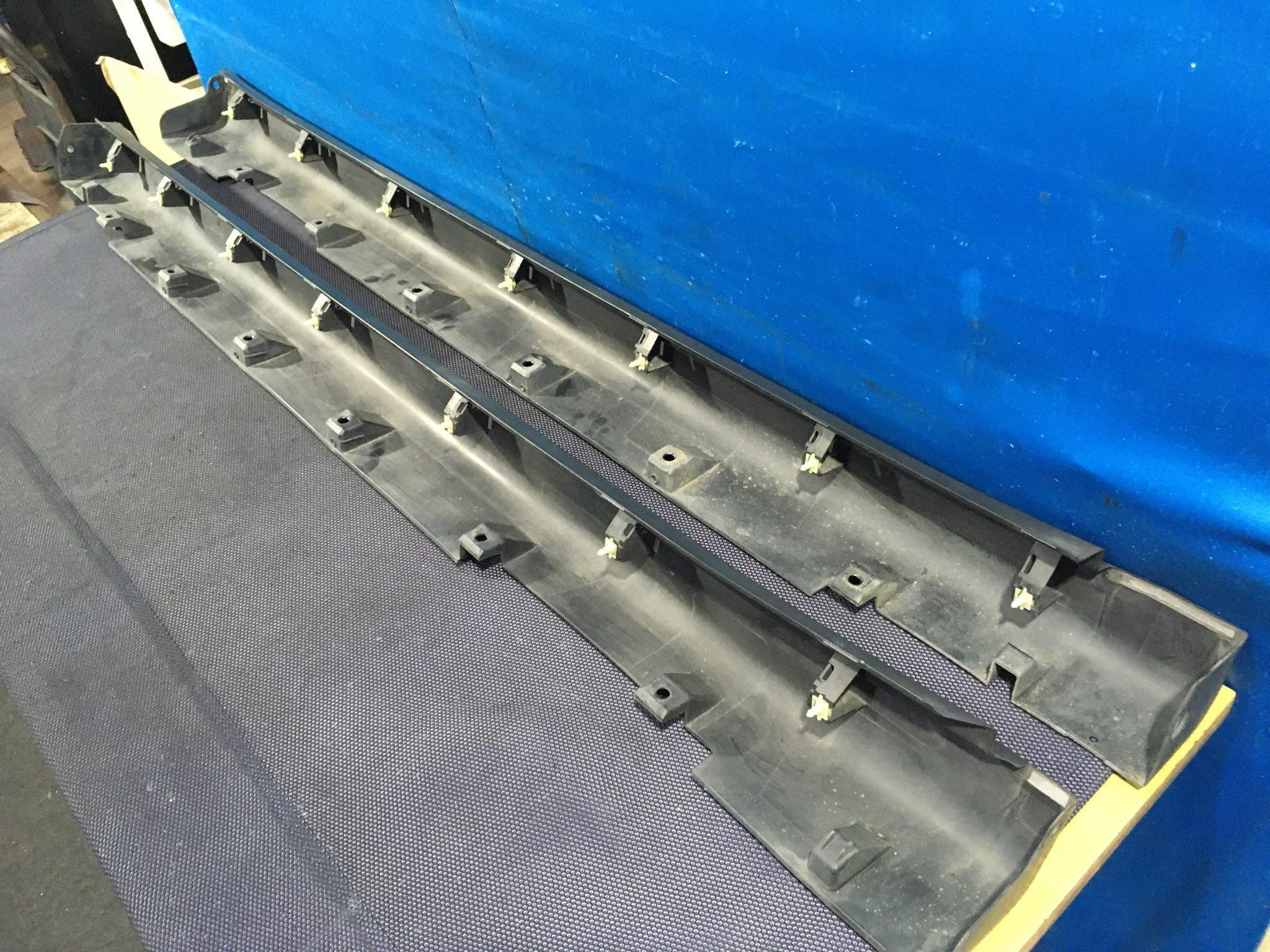 SideStepLH - Lancer Cargo  Ref:SP274999_1420     8/8