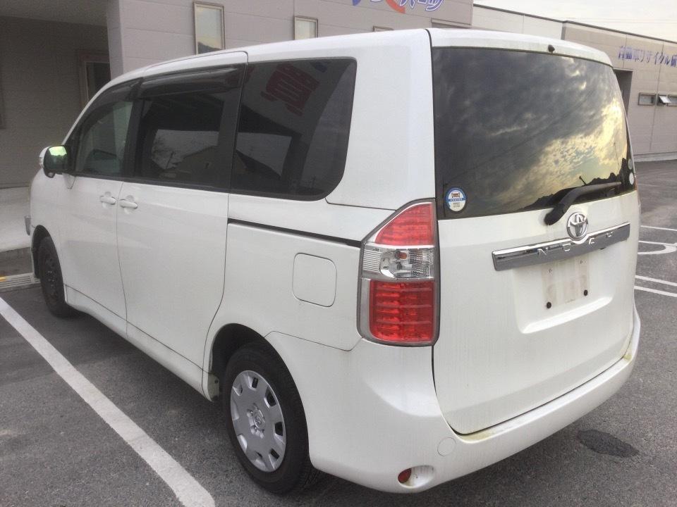 トヨタ ノア   Ref:SP285893     3/17