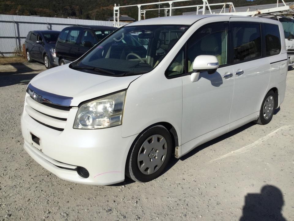 トヨタ ノア   Ref:SP286332     3/20